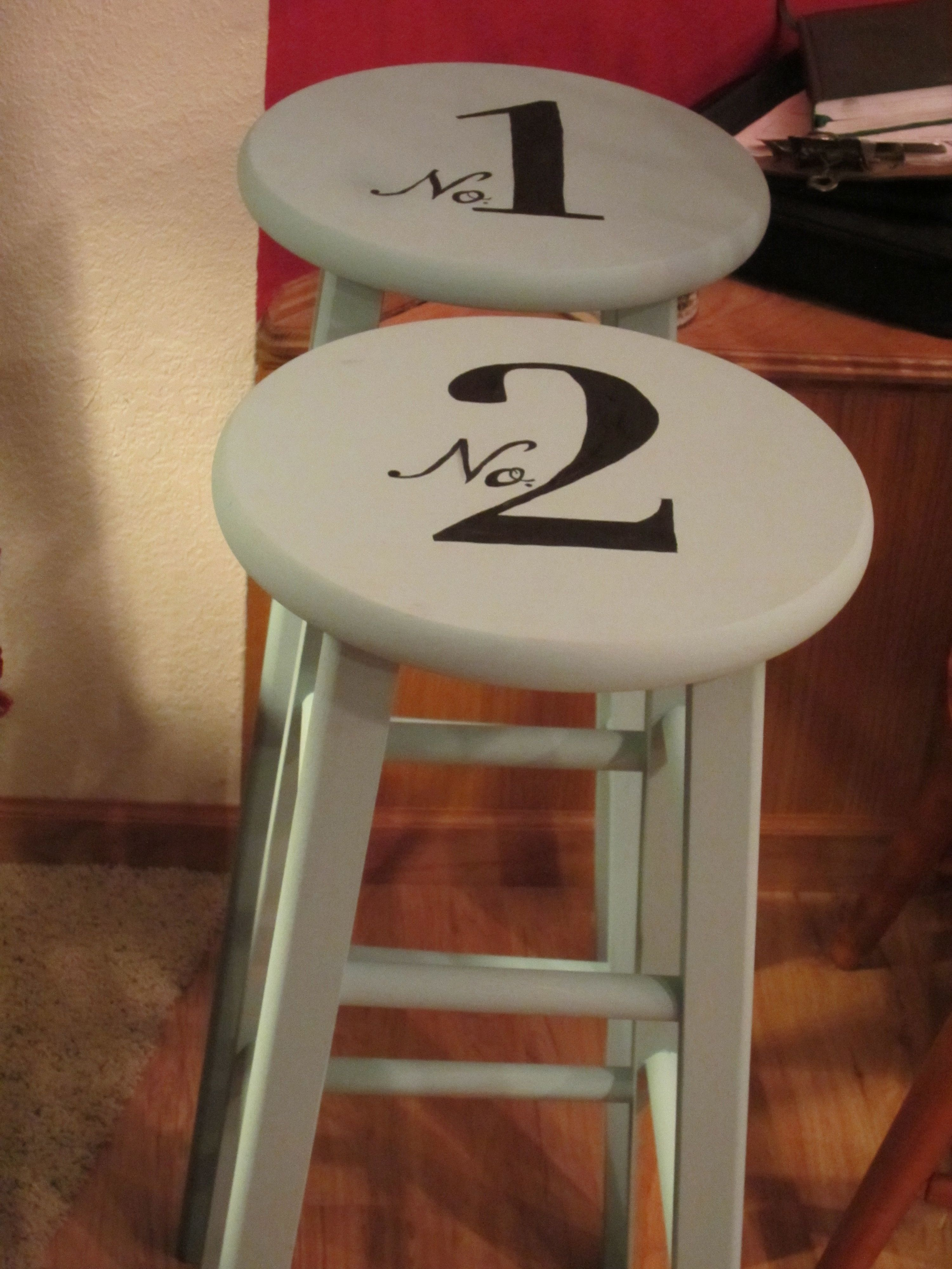 how to paint a bar stool 25 best ideas about painted stools