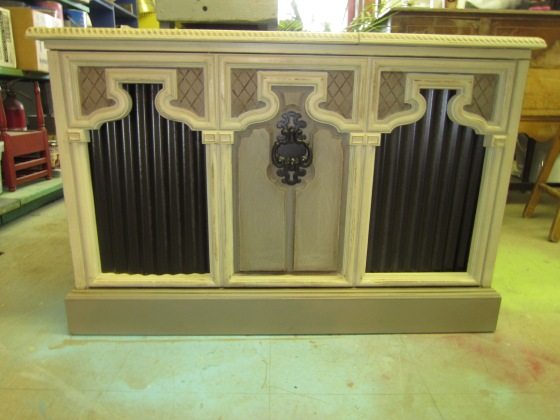 Repurposed stereo made into a store unit with style